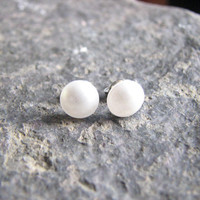 White Pearl Stud Earring Small Post Earring Wedding Jewelry Bridesmaid Gift