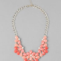 ROCKVILLE STATEMENT NECKLACE IN CORAL