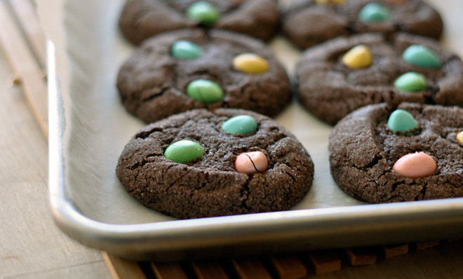 Chocolate Easter Egg Cookies | Foodess.com