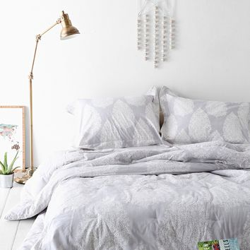 Plum   Bow Kylee Block Comforter  Urban Outfitters