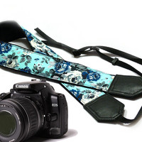 Roses camera strap. Blue camera strap. Flowers Camera strap.  DSLR Camera Strap. Camera accessories. Canon camera strap. Nikon camera strap.
