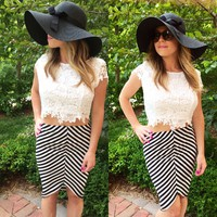 Foi Clothing Boutique — Black and white pencil skirt