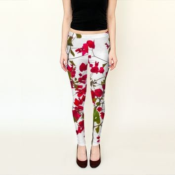 Red petals flowers by Daniel Ferreira-Leites (Leggings)