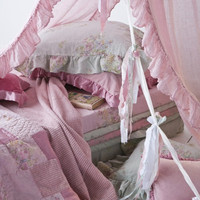 'The Loveliest Dream' Bed