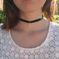 Choker Necklace : Black Velvet Cross Necklace, Nineties, 90s, Grunge, 90s Inspired Jewelry by ARTISANTREE