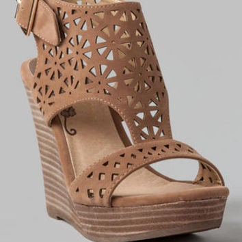MISS CUTOUT WEDGE