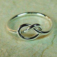 Silver Love Knot Ring / Mother Daughter Ring by fallingleafjewelry