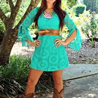 picture perfect lace dress in mint