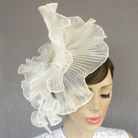 White organza bridal head piece II mini weddings by MammaMiaBridal