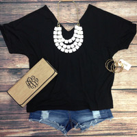 "SHORT SLEEVE ""V"" NECK PIKO IN BLACK"