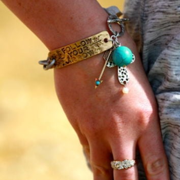 FOLLOW YOUR ARROW CHAIN BRACELET