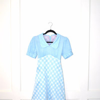 1970s retro baby blue gingham mini dress / peter pan collar small