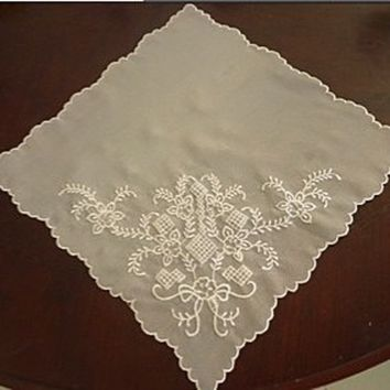 frosted elegance- the embroidered napkin