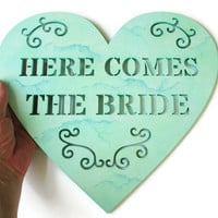 Here Comes the Bride Heart Sign in aqua marble faux finish, beach wedding decor in aqua with seafoam and turquoise