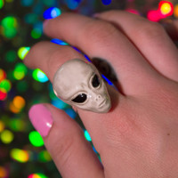 Ceramic Alien Ring / 90s Inspired Alien Space Adjustable Ring