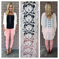 Cream Scalloped Rose Kimono