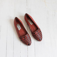 Vintage 80s Rust Red & Black Woven Leather Southwestern Flats | Women's 8