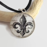 royalty fleur de lis french lily flower glass silver necklace