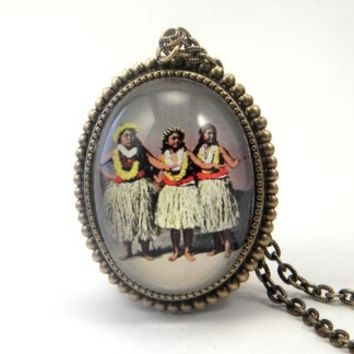 Hula Girls Necklace