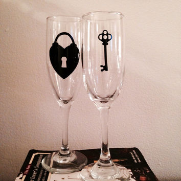 "Lock and key toasting flutes ""key to my heart"" Champagne glass Wedding glass"