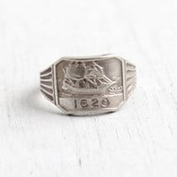 Vintage Sterling Silver Commemorative 1620 Mayflower Ship Ring - Size 4 Historical Ship Sailing Sea Hallmarked Jewelry