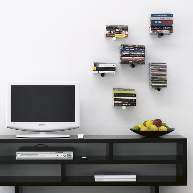 Piniwini Wall-mounted Peg Bookshelf