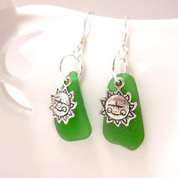 Smiling Sun Sea glass Earrings in Kelly Green by SeaglassGallery on Etsy
