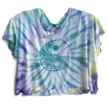 Tie Dye Waves Yin Yang Crop Top 90s Tumblr Grunge