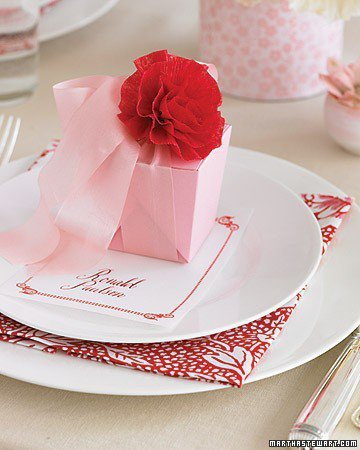 Making Crepe-Paper Flowers - Perfect Wedding Color Palette: Pink and Poppy - Pl