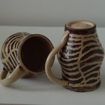 Zebra \ Spiderweb pattern Coffee Cup \ Tea Cup Large Handled 12 oz pottery Mug, Chocolate Brown & Beige, Wheel Thrown Pottery ceramic