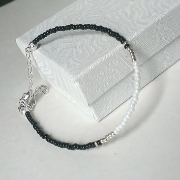 black white and silver beaded bracelet, seed bead bracelets, dainty delicate bracelet, thin minimalist bracelets for women