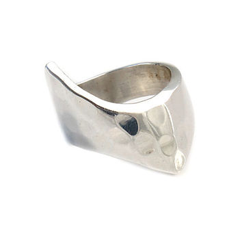 Artistic sterling silver ring | Artistic | Mexican handcrafted jewelry | Silver mexican jewels | Hammered sterling silver ring | 0199