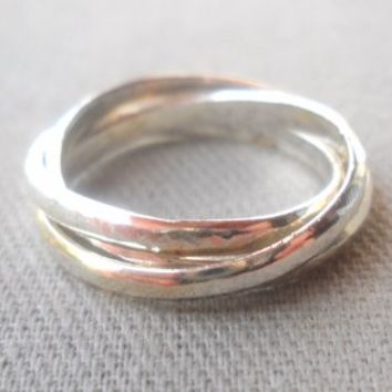 Hammered Silver plated 3 Circle Ring size 7