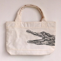 The crocodile --canvas tote bag/Tote bag/Diaper bag/Shopping bag/Market bag/Document bag/Carryall bag/women bag/women bag