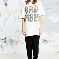 UNIF Bad Vibes Tee in White - Urban Outfitters