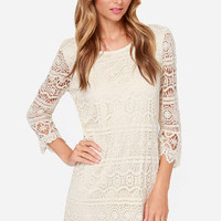 Crochet, S'il Vous Plaît? Cream Lace Dress