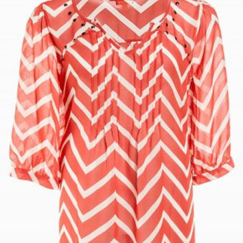 EYESHADOW CHEVRON STUD TOP