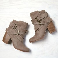 AEO Women's Double Wrap Bootie (Taupe)