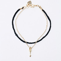 Arrow & Chain Friendship Bracelet in Gold - Urban Outfitters