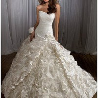 Buy discount Elegant Taffeta&Organza A-line Strapless Neckline Wedding Dress at dressilyme.com