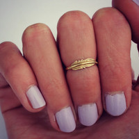 Feather midi ring, 14k gold knuckle ring, feather stacking ring - midi ring, hammered, textured knuckle ring