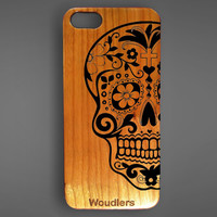 Sugar Skull wooden iPhone 5s case, protective hybrid rubber and wood, Sugar skull case