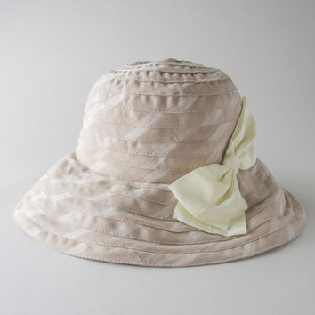 Hat With Bow in Beige