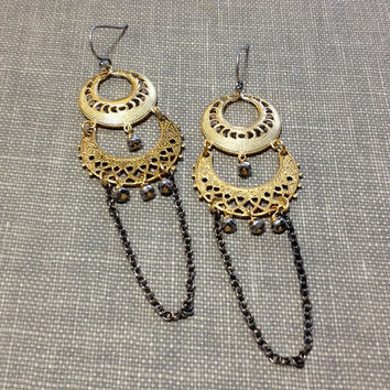indian inspired gold filigree chandelier earrings // mixed metal earrings // bollywood earrings // silver and gold // gold lace earrings