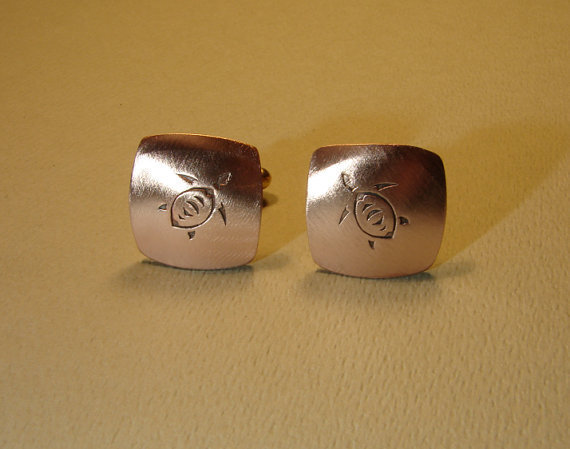 Sea turtle cuff links handmade from copper by NiciLaskin on Etsy