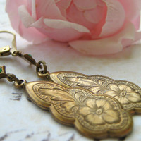 Estate Earrings Vintage Brass Flower Pendant by leprintemps