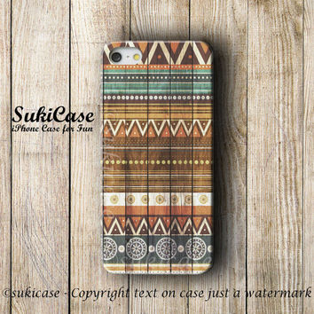 AZTEC IPHONE 5S CASE Wood Tribal Native Wooden Aztec Pattern On Wood iPhone Case iPhone 5 Case…
