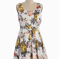 Floral Memoirs Pleated Dress | Modern Vintage Dresses