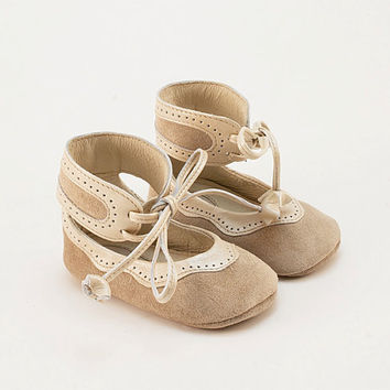 Perforated baby shoes from twotone beige leather by Vibys on Etsy