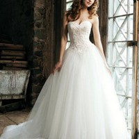 Princess Sweetheart White Appliques Beading Yarn Crystals Satin Floor-length Dress at Dresseshop